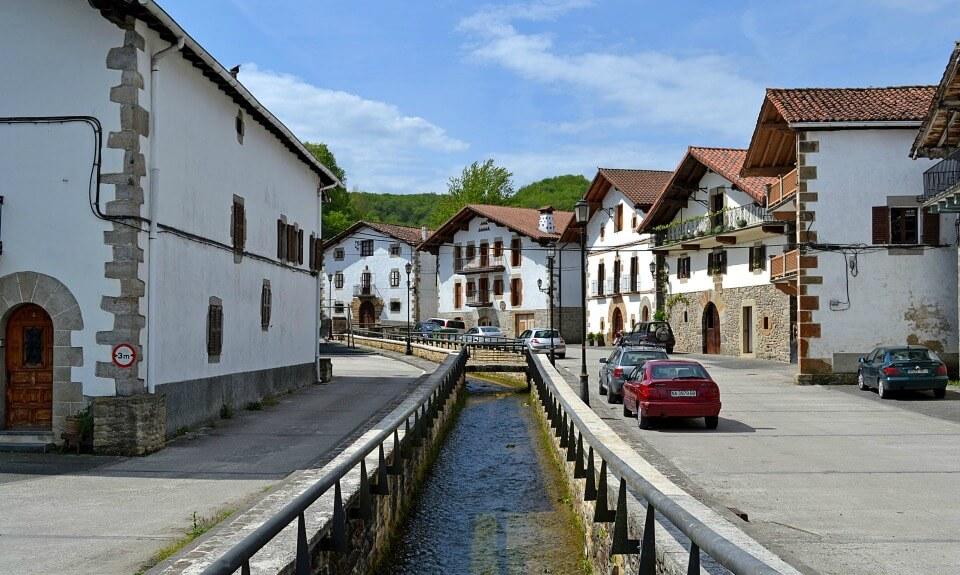 Auza, Valle de Ultzama :: Descubre Navarra, Turismo en Navarra