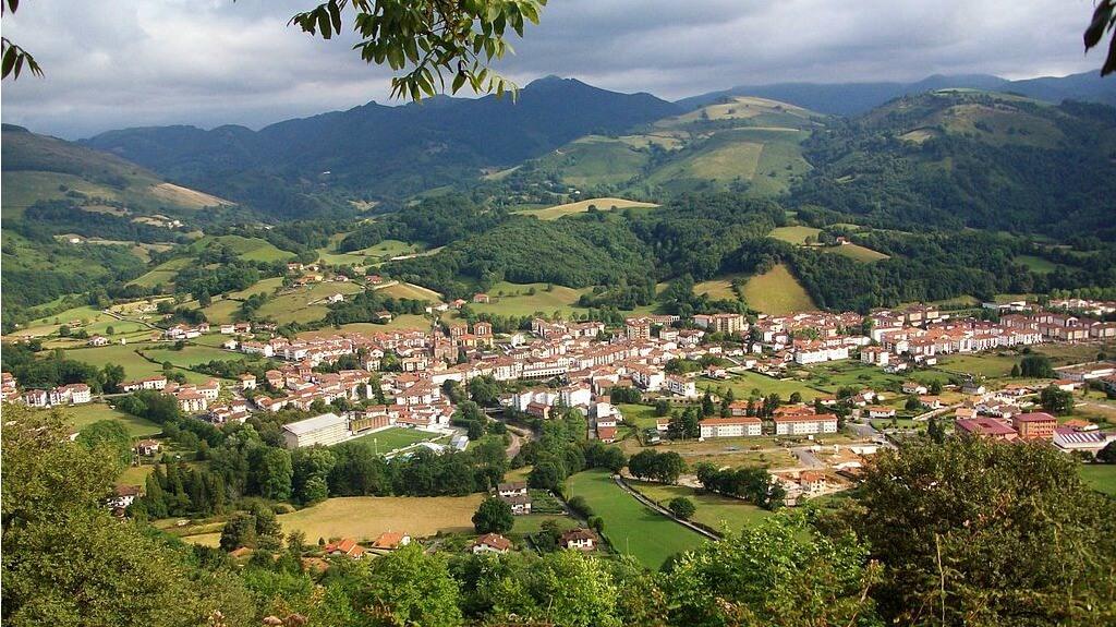 Vista aérea de Elizondo :: Descubre Navarra, Turismo en Navarra
