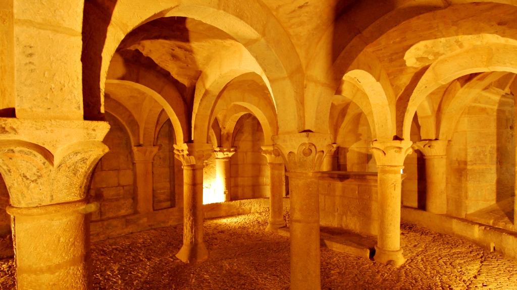 Cripta de la Iglesia de San Martín de Tours, San Martín de Unx :: Descubre Navarra, Turismo en Navarra