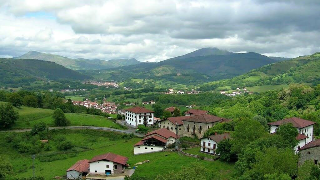 El valle de Baztán desde el mirador de Ziga :: Descubre Navarra, Turismo en Navarra